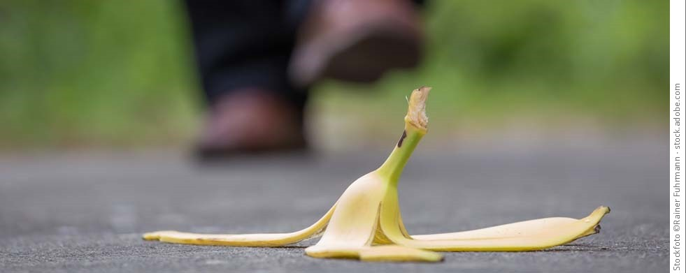 Bananenschale auf dem Weg
