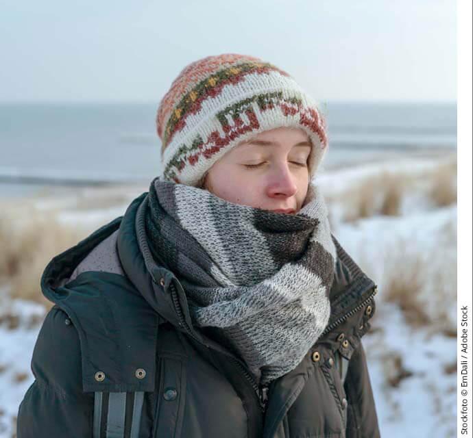 themenwelten asthma winter frau am strand690x640