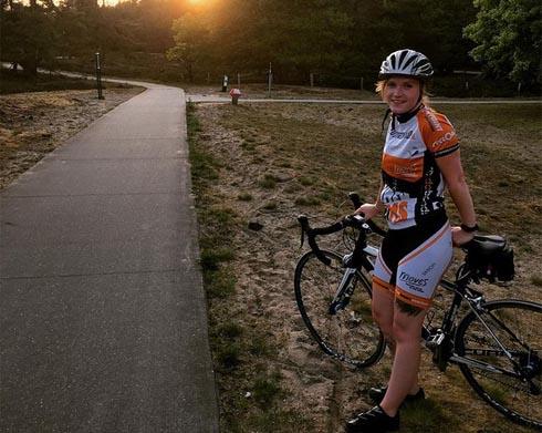 Janneke mit Fahrrad
