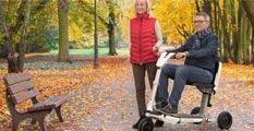 Herbstspaziergang mit dem Elektromobil ATTO